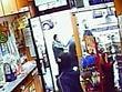PAVIA / IL VIDEO     Interviene la vecchietta ombrellate ai rapinatori