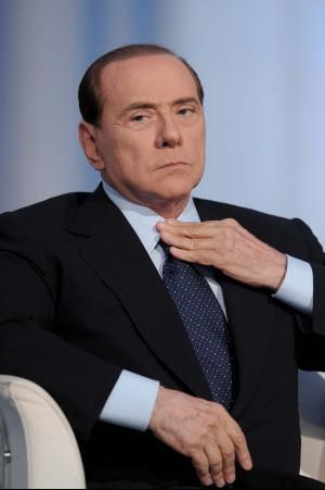 """E il Cavaliere chiede aiuto al Quirinale """"Solo Napolitano può bloccare la mattanza"""""""