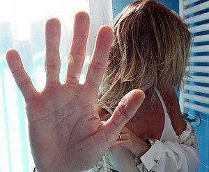 Una donna uccisa ogni due giorni femminicidio, 98 vittime nel 2012