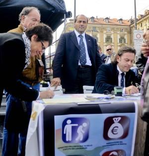 """""""Lotto per il 18"""", al via raccolta firme  per il referendum sul lavoro"""