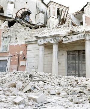 """L'Aquila, Grandi rischi: 6 anni agli imputati """"Ai residenti avvertimenti insufficienti"""""""