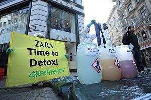 Sostanze tossiche nei vestiti Greenpeace attacca i grandi marchi