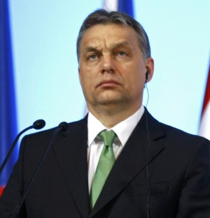 """Ungheria, Orban difende la nuova Costituzione  e attacca l'Unione europea: """"Non intromettetevi"""""""