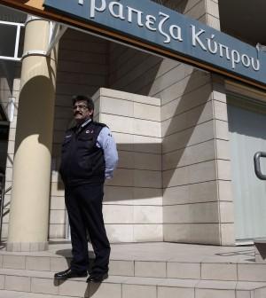"""Riaprono le banche a Cipro La Ue: """"Sette giorni di misure speciali"""""""
