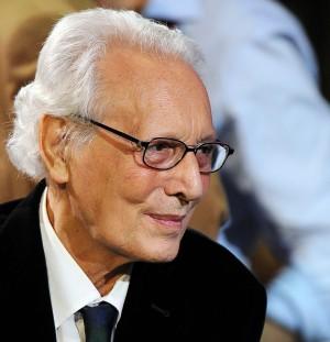 E' morto Enzo Jannacci, il cuore e la musica di Milano. Addio al poeta in scarpe da tennis