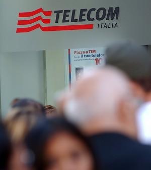 """Politica contro Telecom: """"Governo riferisca"""". Letta: """"Vigileremo, ma è società privata"""""""