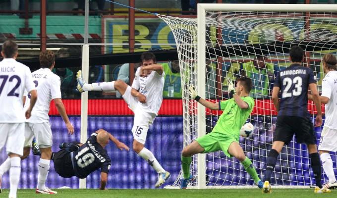 Il gol di Cambiasso