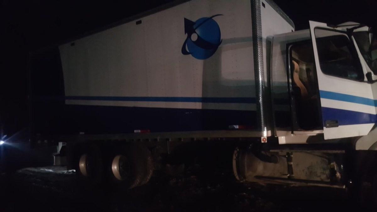 Detienen a una banda que asalto un camión cargado con mercancía