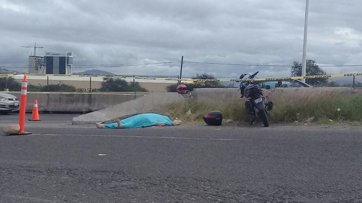 Motociclista pierde la vida en el Fray Junípero Serra, tras ser impactado por automóvil