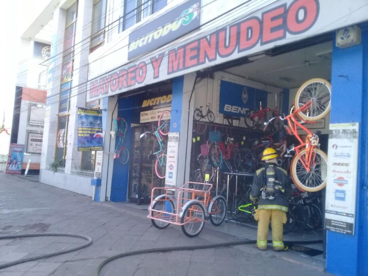 Se incendia negocio de bicicletas ubicado en Zaragoza