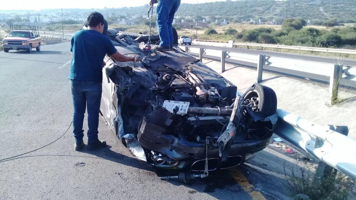 Jóvenes terminan su velada en accidente