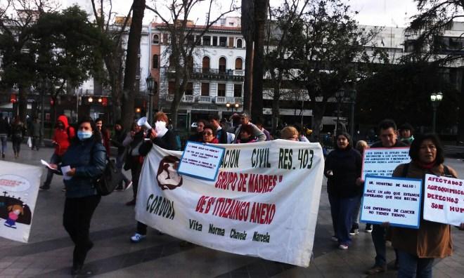 Marcha de los barbijos en plaza San Martin