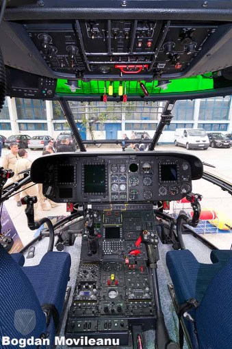 Cabina IAR-330 Puma Naval
