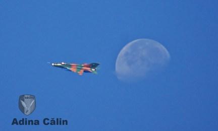 MiG 21 si luna