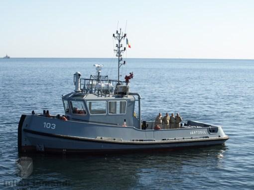Remorcherul 103 Vartosul si echipajul sau