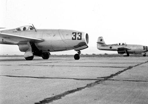 Celula de avioane subsonice de vanatoare Iak-23