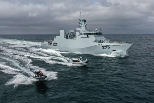 PNS Tabuk în probe pe mare
