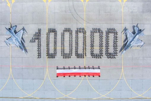 F-16 poloneze - Celebrarea a 100 000 de ore de zbor