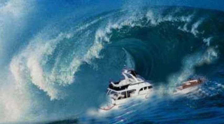 Resultado de imagen para barcos en maremotos
