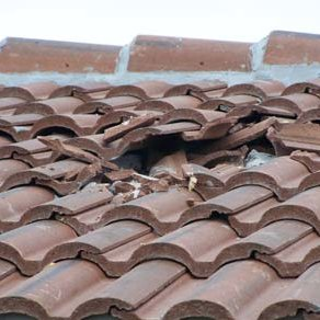 concrete with mortar tile roof