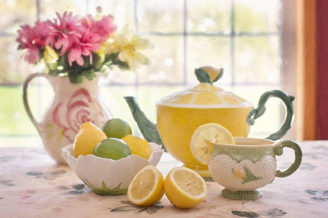 serving tea to ancestors