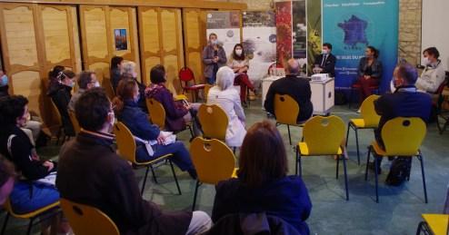 Animation de la table ronde par l'Agence Régionale de la Biodiversité de Nouvelle-Aquitaine avec une 30aine de participants