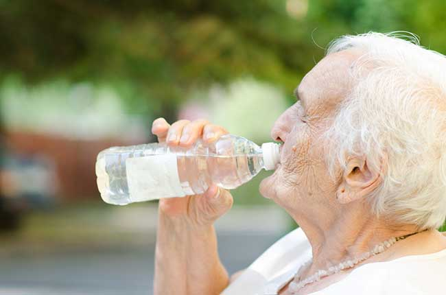 como-evitar-golpe-de-calor-tercera-edad