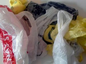 Cae el consumo de bolsas de plástico en Inglaterra desde la entrada en vigor de una tasa de 5 peniques por unidad