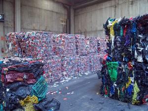 En España el volumen de residuos reciclados alcanzó los 18,5 millones de toneladas en 2015
