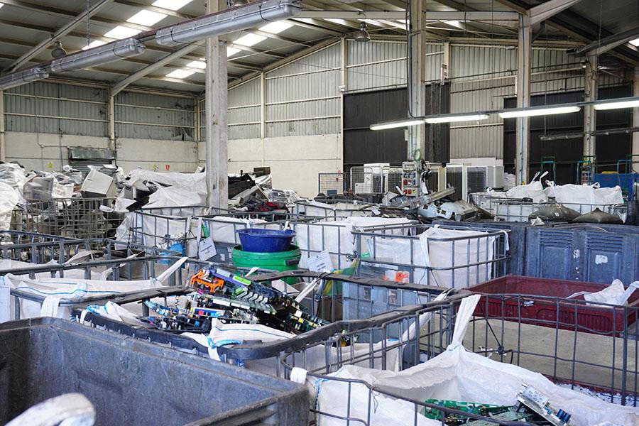 Interior de la planta de Movilex RAEE