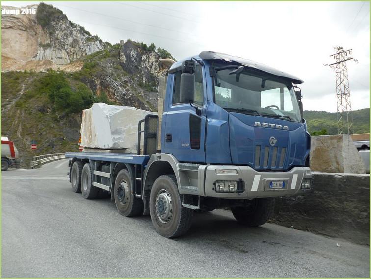 Transport des blocs de marbre de Carrare