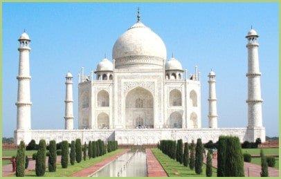Le Taj Mahal tout de marbre blanc