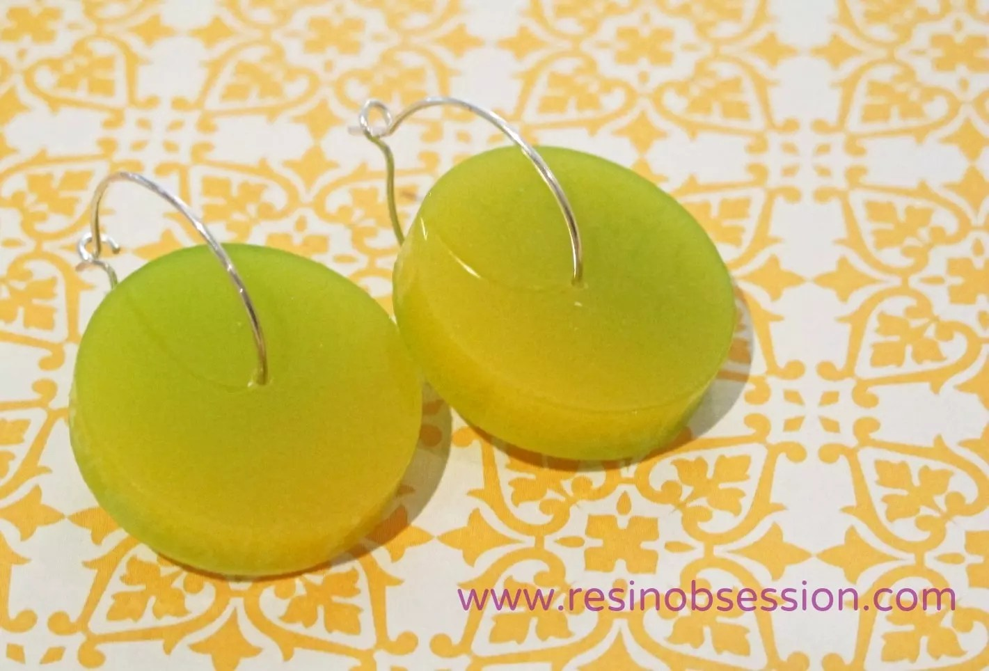 bi color resin earrings