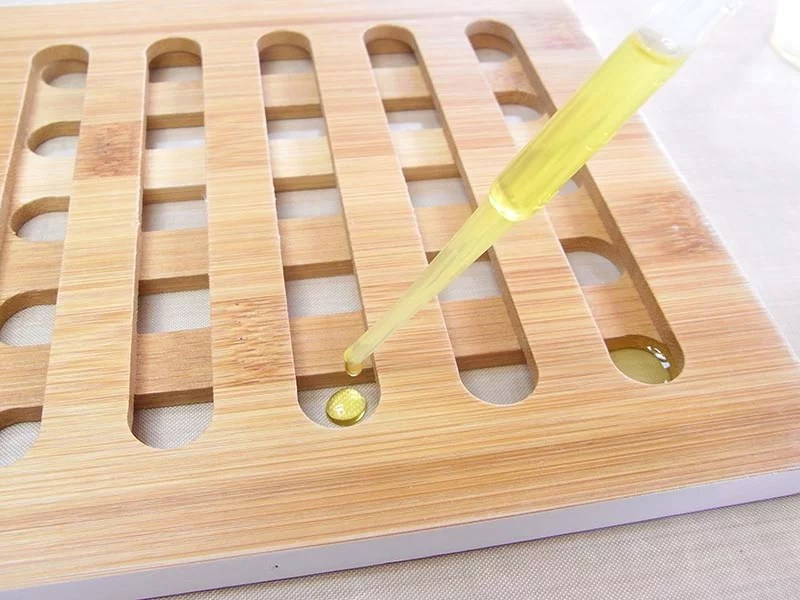 drip resin into trivet holes