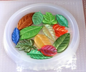 resin leaves in a resin coaster mold