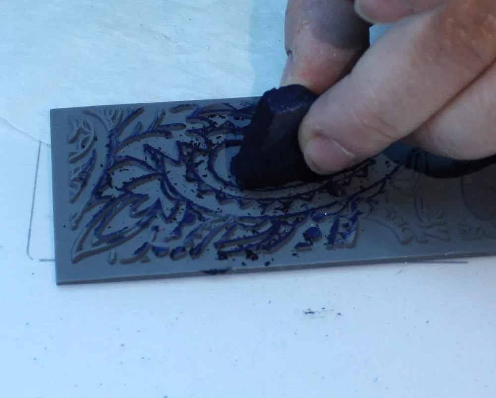 applying Gilder's paste to rubber mold