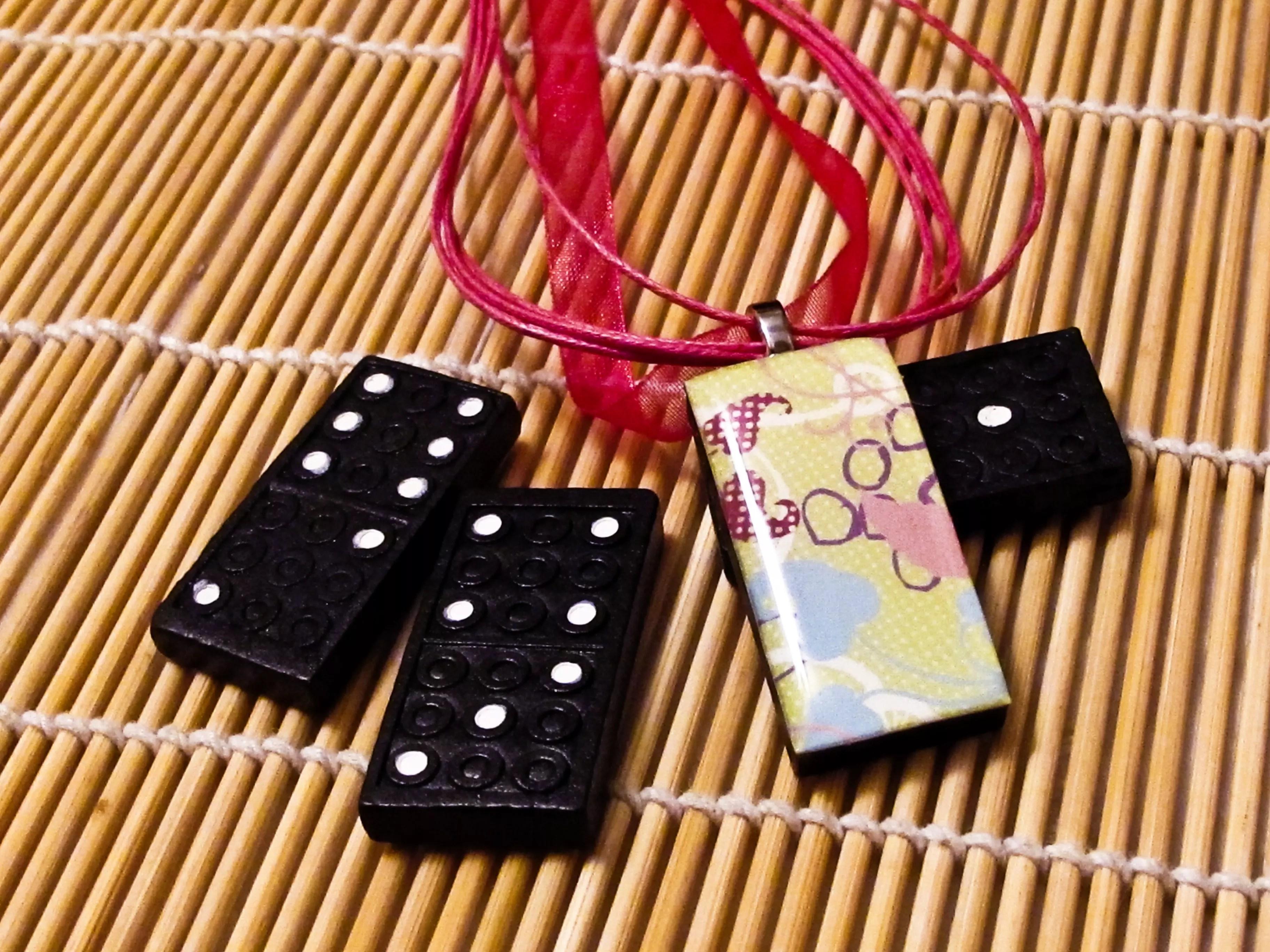 Domino resin pendant