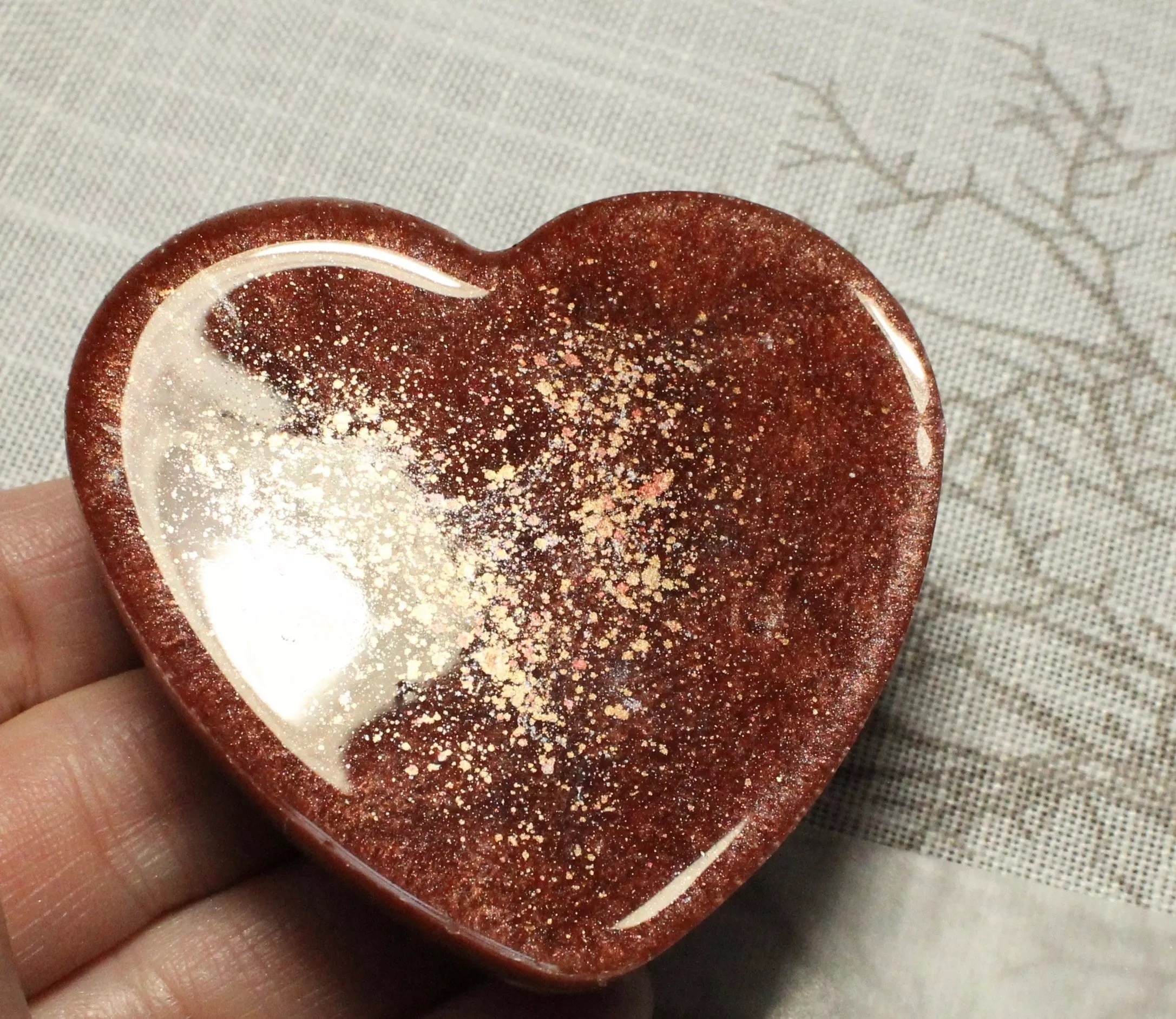 Pearl Ex Powdered Pigments bronze and gold heart back side