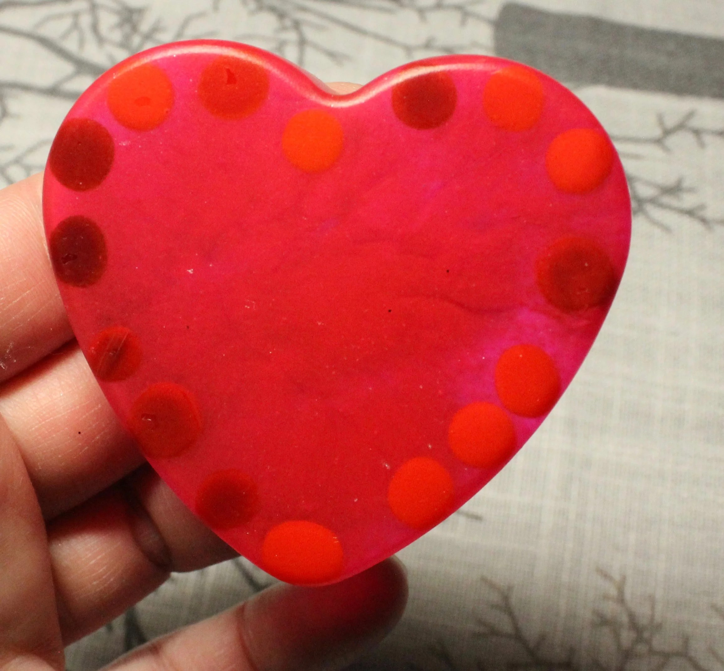 resin heart with beads