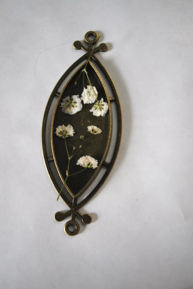 How To Make Resin Flower Jewelry Resin Obsession