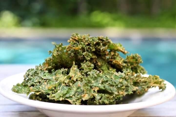 Ricetta delle Kale Chips con le foglie di cavolo riccio