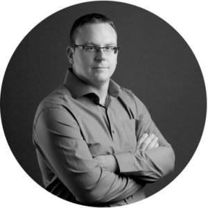 Photo de Christophe Hermans, acousticien gérant de Resolution Acoustics. Lien cliquable vers la page contact.