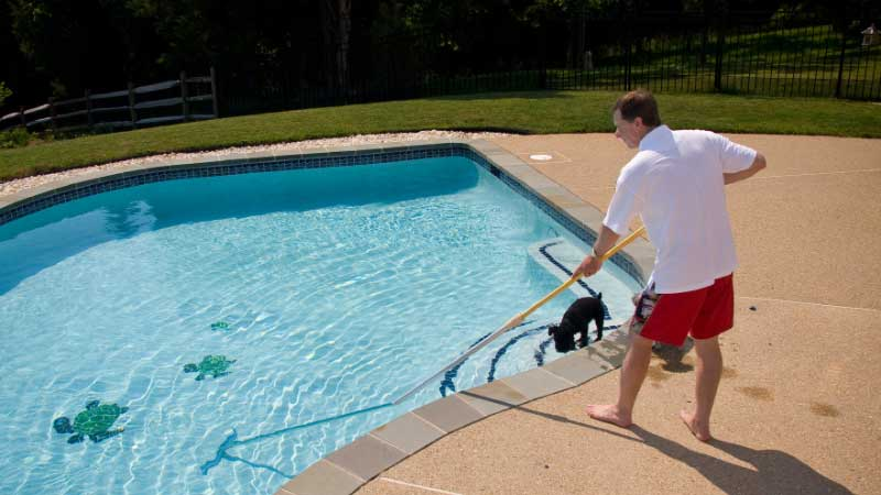 How to Vacuum a Pool With Sand Filter