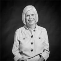 Eve Landau Headshot