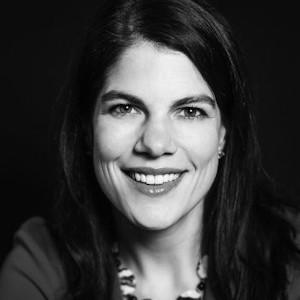 Teresa Hammond smiling headshot