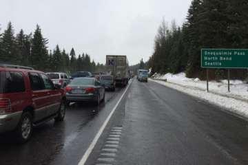 snoqualmie pass still closed