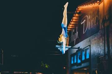 the high dive in fremont music venue seattle