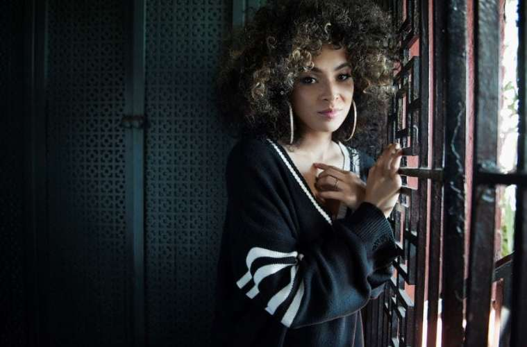 "Kandace Springs Blends Genres Together On ""Indigo"" 