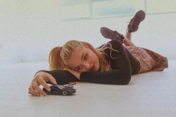 "18-Year-Old Seattle Singer/Songwriter Laureli Delivers Rich Pop R&B Single ""Mercedes"""