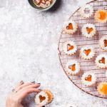 Vegan Linzer Cookies with apricot preserves